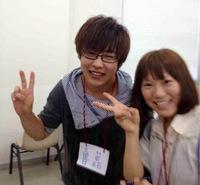 鲁磊(左)
